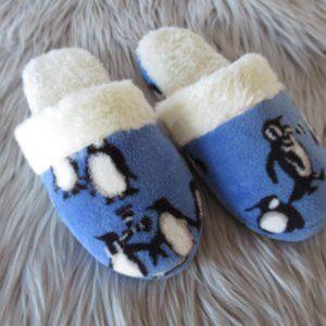 Vera Bradley Penguin Blue Cozy Slippers 7/8
